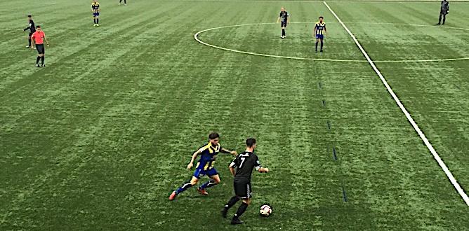 Football N2 : Furiani bute sur Poissy (0-0)