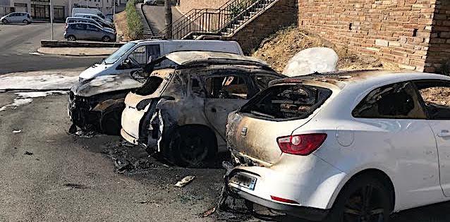 Port-Toga  : Deux blessés au cours d'une rixe et quatre voitures en feu…