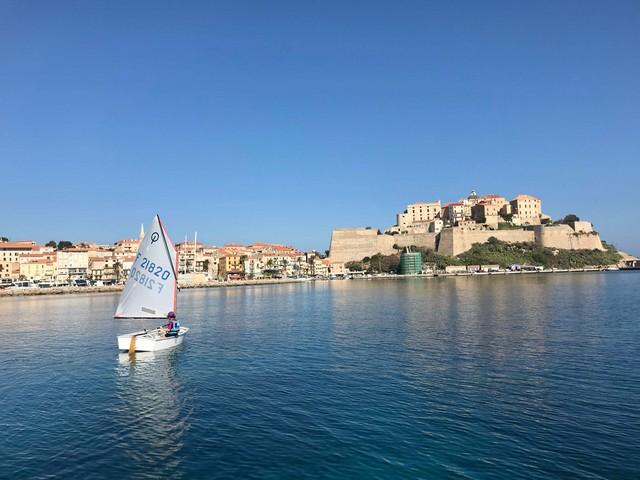 Vela Corsica Cup dans la baie de Calvi ce week-end