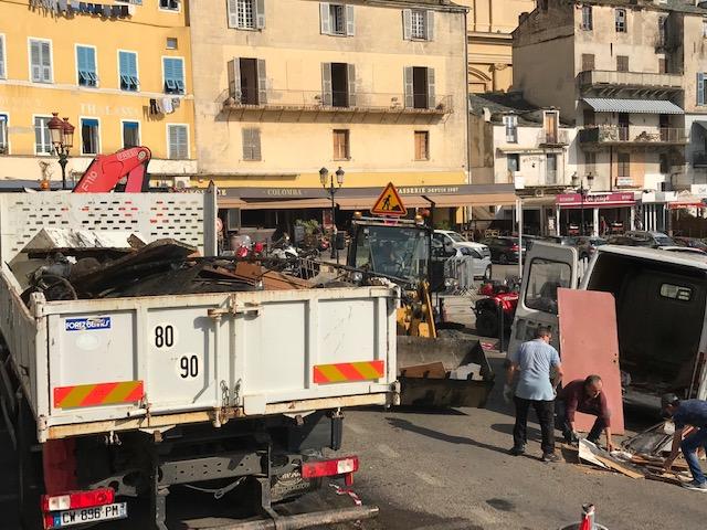 Nettoyage du Vieux-Port à Bastia : Une pêche insolite