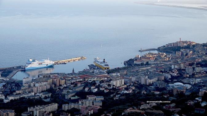 La photo du jour : Au-dessus de Bastia…