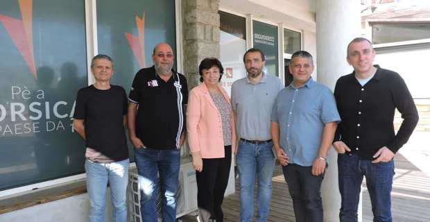 Les élus de la majorité territoriale Pè a Corsica.