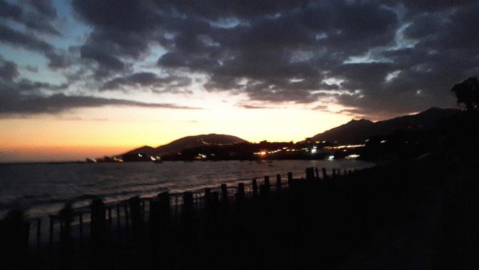 La photo du jour : Coucher de Soleil sur Ajaccio