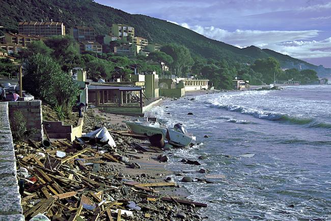 Tempête Adrian : Plus que 2 500 foyers privés d'électricité