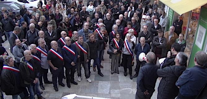 Les élus de Haute-Corse étaient présents aux cotés des agents des finances ce jeudi soir à Bastia