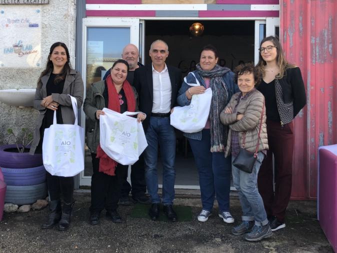 Environnement : En Balagne on présente le nouveau sac caba de la recyclerie créative