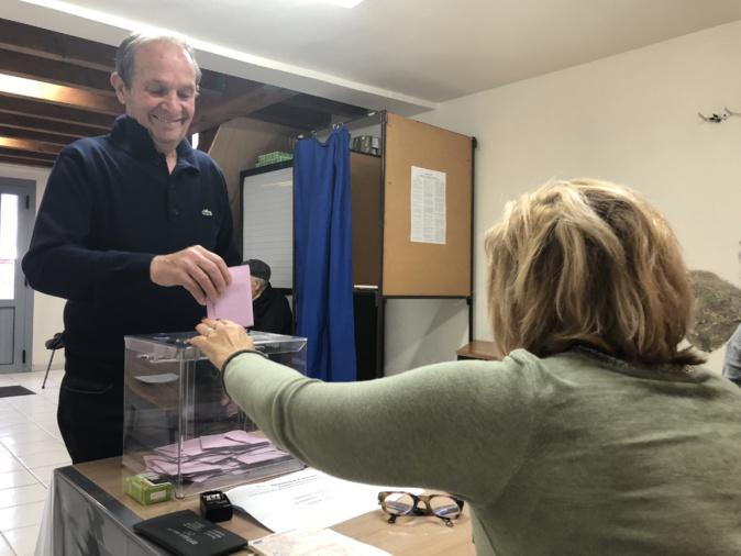 Deux nouveaux conseillers municipaux élus à Nessa
