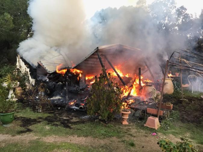 Un Mobil-home entièrement détruit par les flammes à Montegrossu