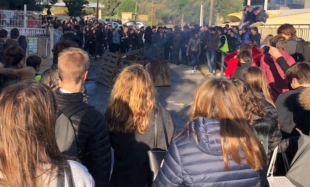 Balagne : La contestation gagne les établissements scolaires. Aucun n'est fermé en Corse