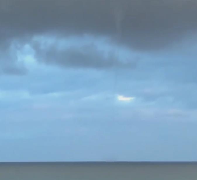 Une trombe marine filmée au large de Pinarellu