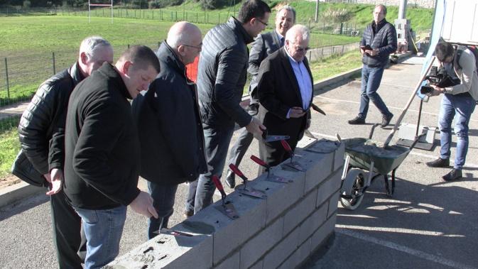 Elus de la CAB, de Furiani et instances de Bastia XV ont posé la 1ère pierre des nouvelles structures dédiées au rugby à Volpajo