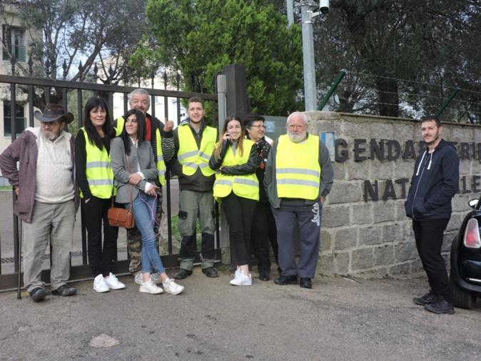 Les gilets jaunes de Porto-Vecchio venus en soutien d'un jeune convoqués par la gendarmerie nationale