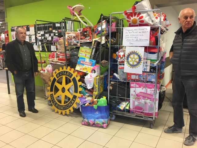 Succès de la collecte de jouets par le Rotay Calvi-Balagne