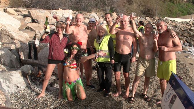 Bastia : Quand les « Irréductibles »  de Ficaghjola et des ronds-points se jettent à l'eau !