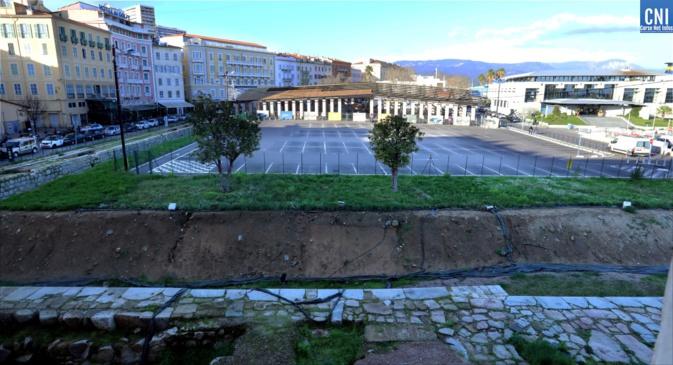 Une vue générale du parking vide avant le début des travaux (Photo Michel Luccioni)