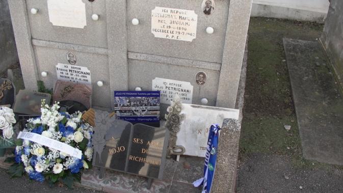 Football : Le bel hommage des supporters du SCB à Jojo Petrignani