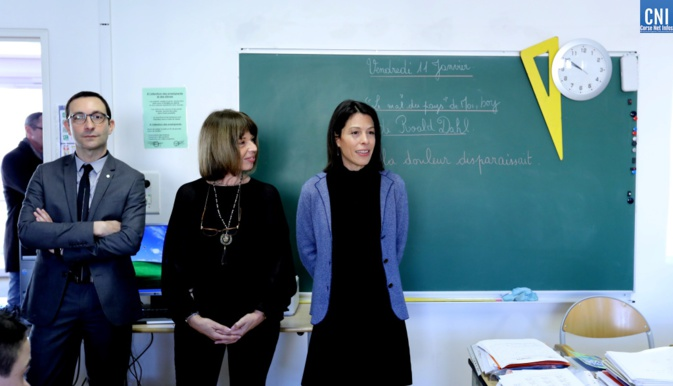 Collège Giovoni d'Ajaccio : la Rectrice visite les dispositifs ULIS