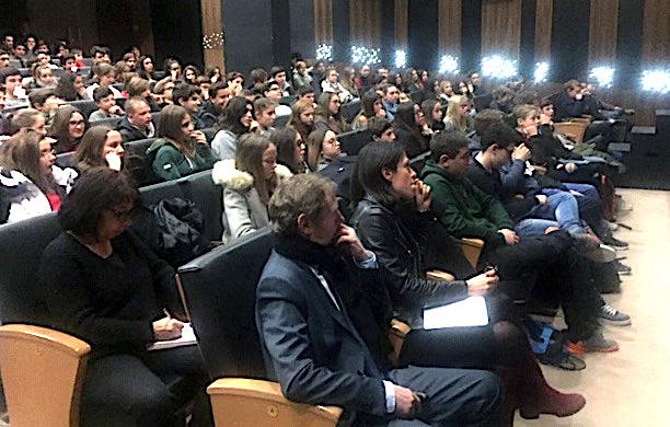 Jean-François Bernardini à la rencontre des lycéens :  La non-violence ça s'apprend