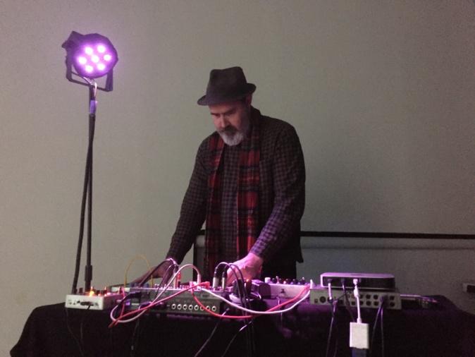 Le plasticien-musicien Vincent Epplay
