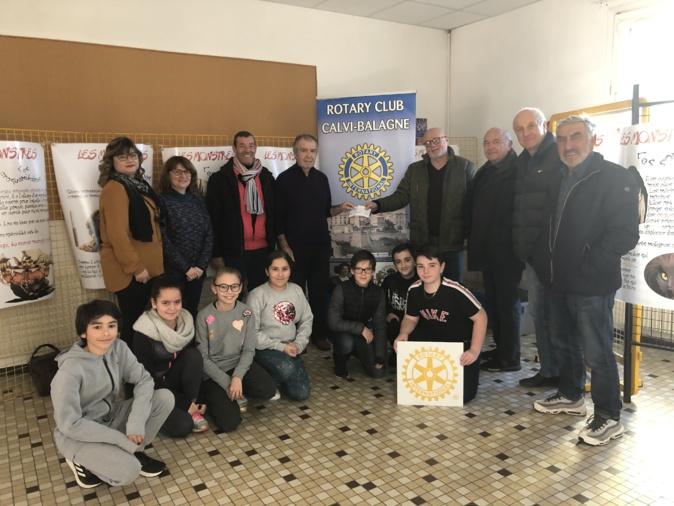 Le Rotary club international Calvi-Balagne remet un chèque de 1 000€ au collège de Lisula