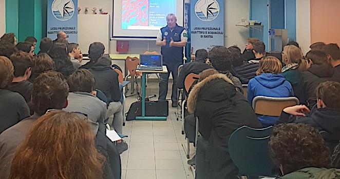 Le Lycée Maritime de Bastia a l'écoute de Jean-Marie Dominici.