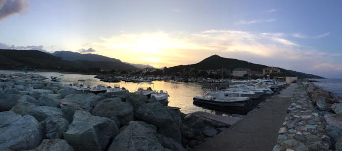 La photo du jour : Lorsque le soir descend sur le port de Santa Severa