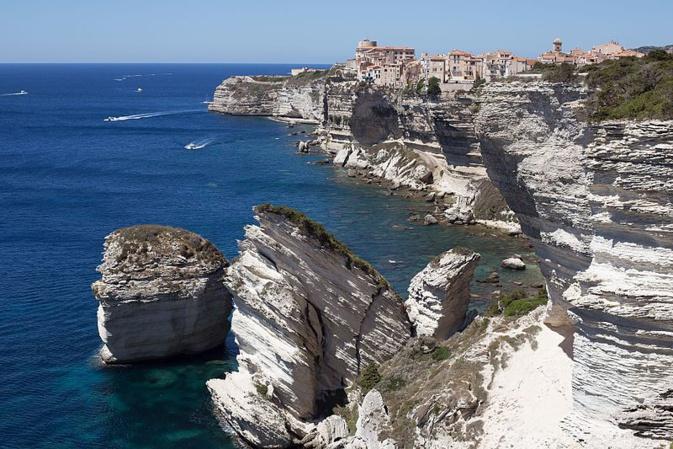 """Trafic maritime dans les Bouches de Bonifacio : Pour la Sardaigne """"La présence d'unités anti-pollution doit être renforcée"""""""
