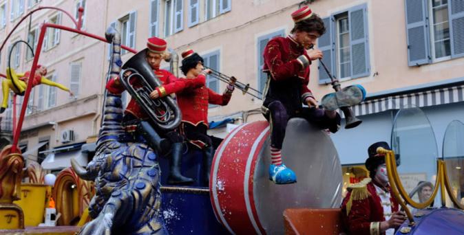 Un carnaval festif et coloré envahit les rues de Bastia