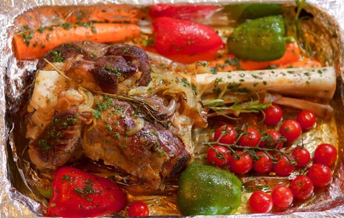 A Table : Le Gigot d'agneau au miel et épices et épices de Sabrina