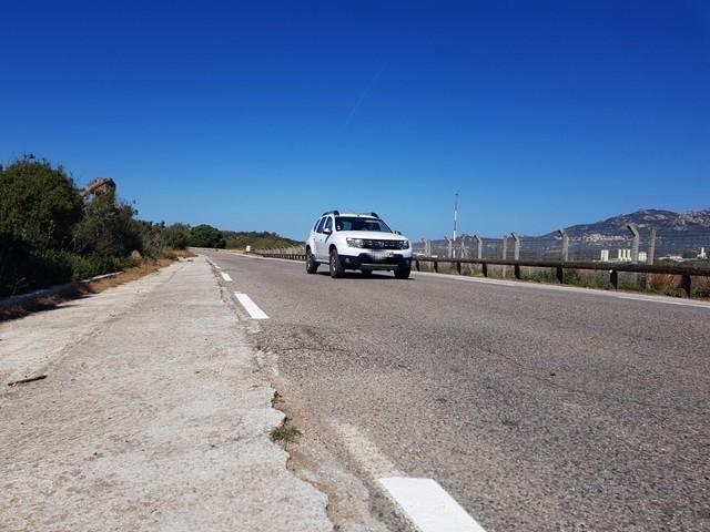 Les véhicules obligés de se déporter vers la gauche pour éviter les bosses