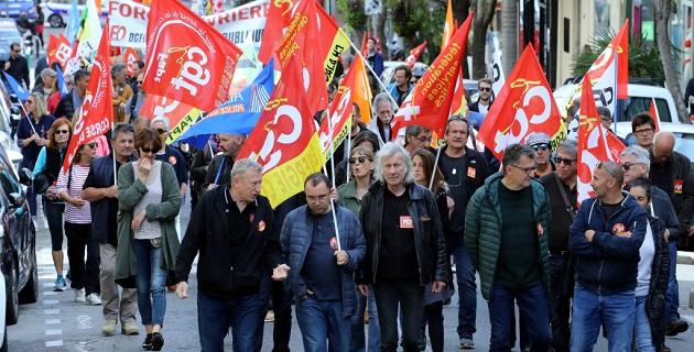 Les syndicats de saliariés de la fonction publique réunis ce 9 mai à Ajaccio (Photo Michel Luccioni)
