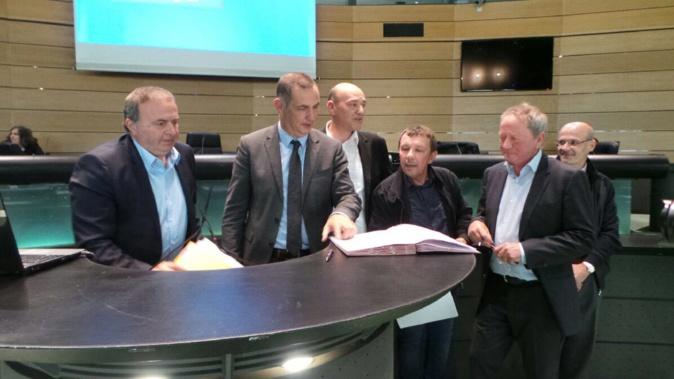 """Une convention pour diminuer les """"atteintes paysagères"""" de 40 communes de Corse"""
