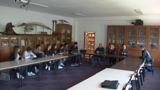 Une partie des élèves du projet « Custodii di u Creatu » et leurs professeurs