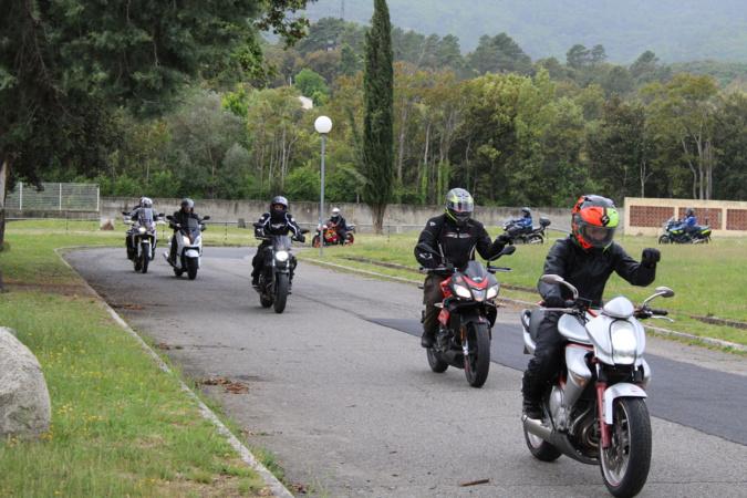 Corte : Les bonnes techniques pour piloter une moto en sécurité