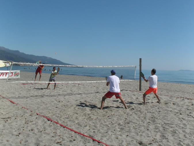 Beach tennis : En route pour les finales du tournoi international G4 du MBTC à Furiani
