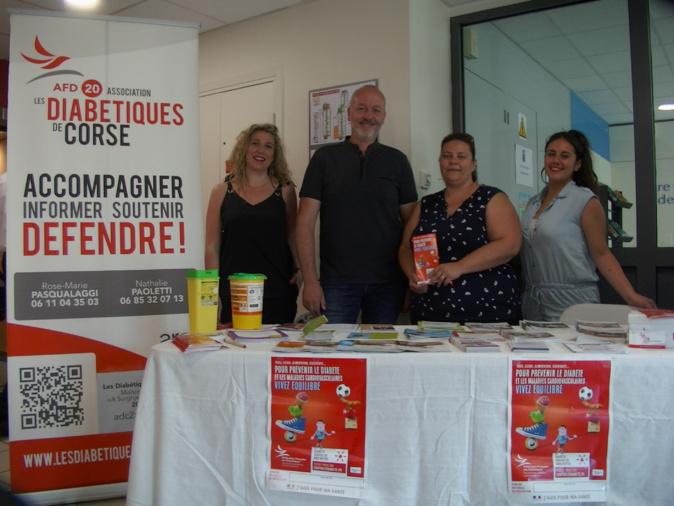 """Bénévoles de l'association """"Les Diabétiques de Corse"""" et partenaires à Bastia"""