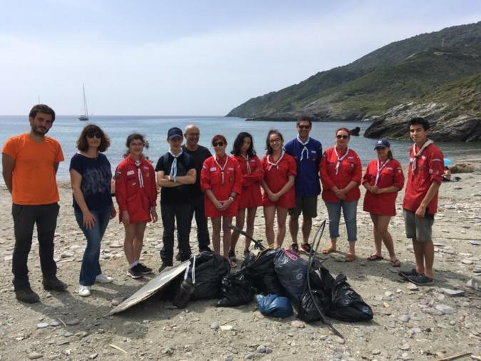 Scouts  : une belle action écologique sur la plage de Morsiglia