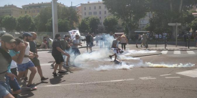 Conflit à La Méridionale : affrontements  entre les grévistes et les forces de l'ordre à Ajaccio
