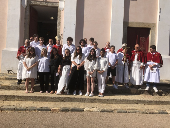 Un week-end de communions à Aregnu