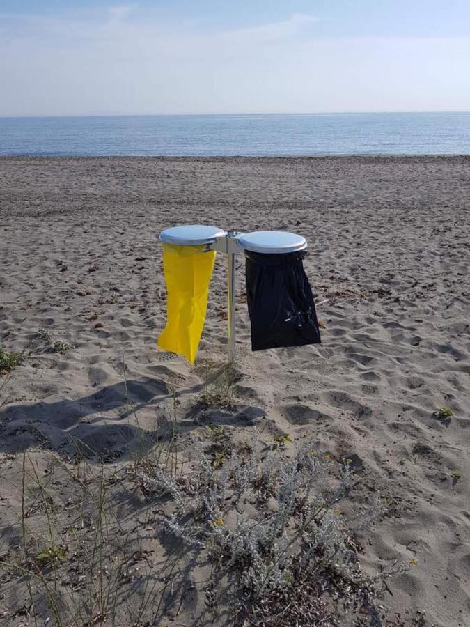 Nettoyage des plages. De multiples points de collecte sélective installés à la Marana