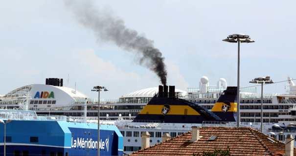 Dans le port d'Ajaccio. Photo Michel Luccioni