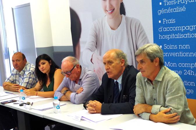 de gauche à droite : Antoine-Paul OTTAVIANI, secrétaire du Fonds de dotation Celine ZICCHINA, directrice de L'IREPS Corse Dominique GIOVANNANGELI, président du Fonds de dotation de la Mutuelle de la Corse Paul Marie ROMANI, président de l'Université de Corse Jean-François AGOSTINI, membre du Fonds de dotation@MutuelleCorse