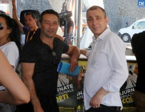 Jean-Christophe Angelini avec Jean-François Casalta, candidats du PNC à Portivecchju et à Aiacciu, aux Ghjurnate. Photo Michel Luccioni.