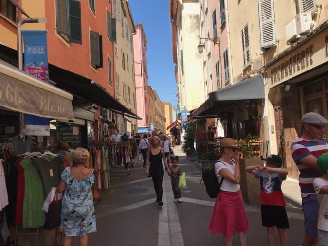 Soldes d'été : bilan mitigé en centre ville à Ajaccio