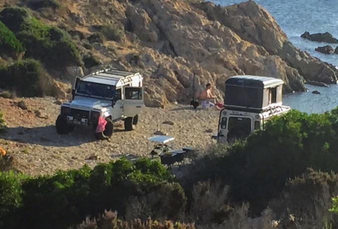 La plage de l'Aghja à la Revellata très prisée des camping-cars !