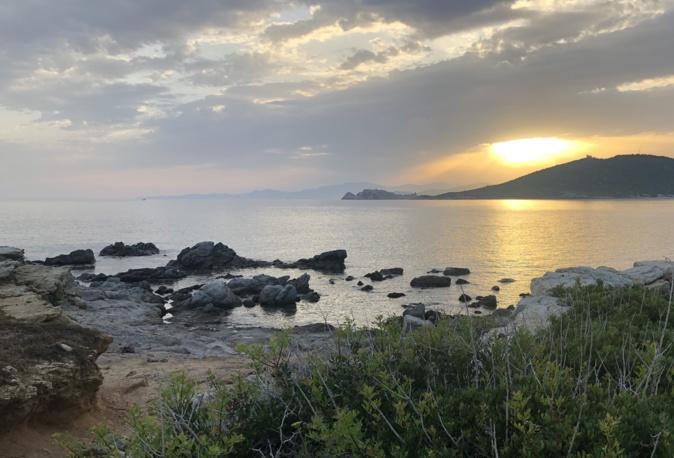 La photo du jour : lever de Soleil sur Lisula