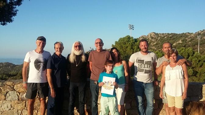Franco Farsetti entouré de son équipe de bénévoles