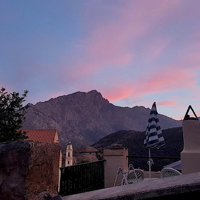 Coucher de Soleil sur le Monte Padro vu d'olmi-Cappella (Isa)