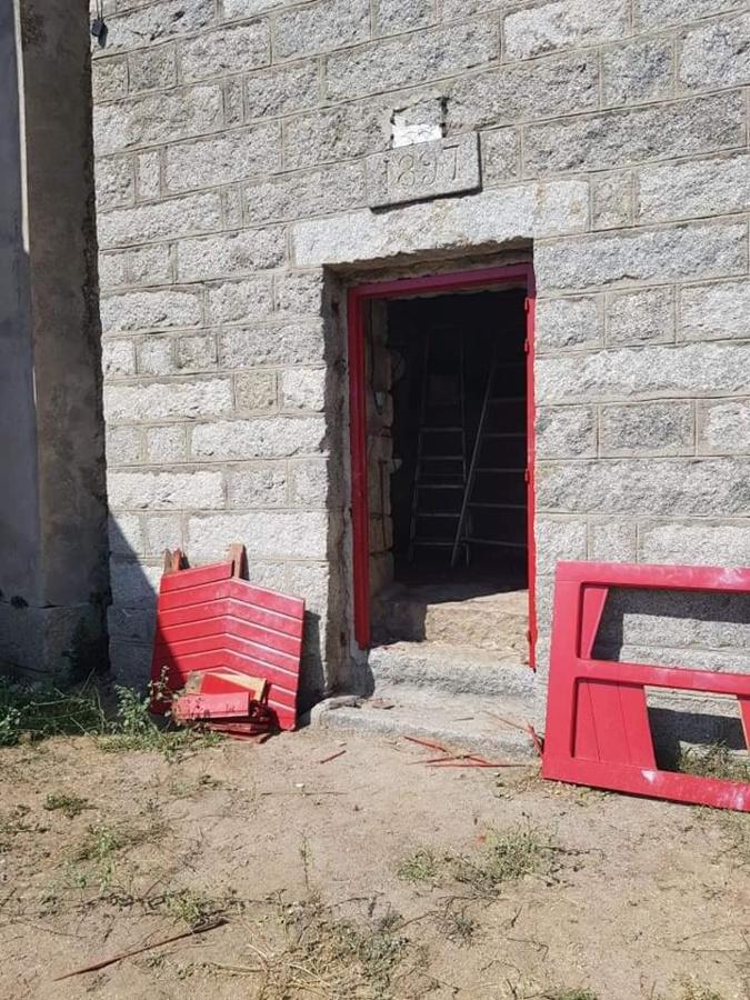 Zicavu : la porte du clocher défoncée et la serrure de la sacristie forcée