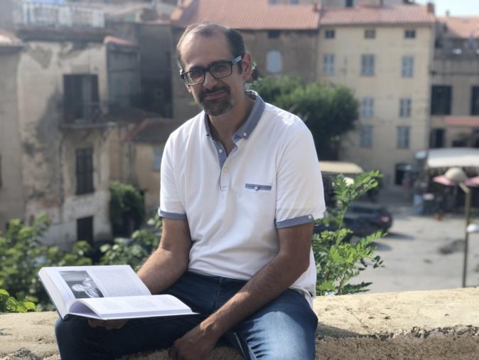 Jean-Luc Luciani dédicace son dernier ouvrage à Belgudè